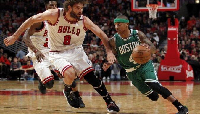 'Thunder' un 'Celtics' tiek pie pirmajām uzvarām NBA izslēgšanas turnīra pirmajā kārtā