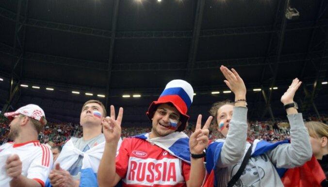 Россиянам разрешили пройти маршем по Варшаве