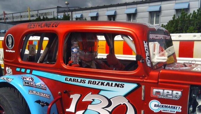 Latvijas pilots Rožkalns Lasvegasā cīnīsies par 'Legend Cars' pasaules čempiona titulu