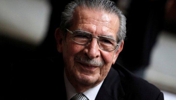 91 gada vecumā miris bijušais Gvatemalas diktators Rioss Monts