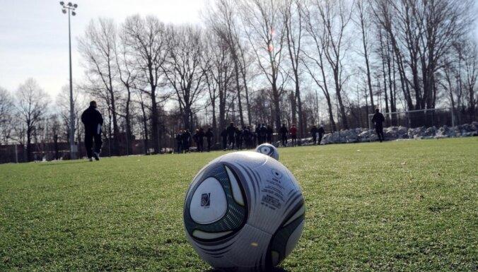 Četrpadsmit Latvijas futbola treneri saņēmuši UEFA 'Pro' licences