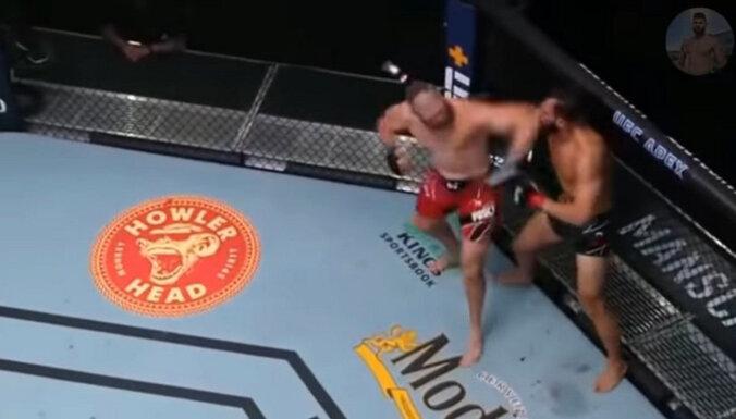 ВИДЕО. Удар локтем с разворота: боец UFC сделал заявку на нокаут года