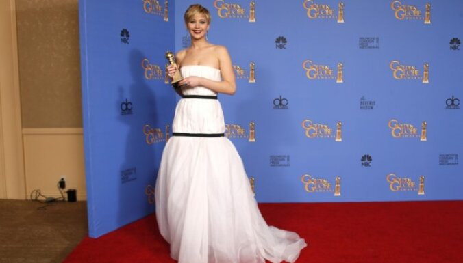 ФОТО: Платье Дженнифер Лоуренс стало интернет-мемом