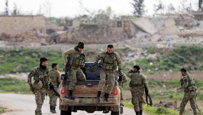 Turcijas armija ielenkusi Afrīnu
