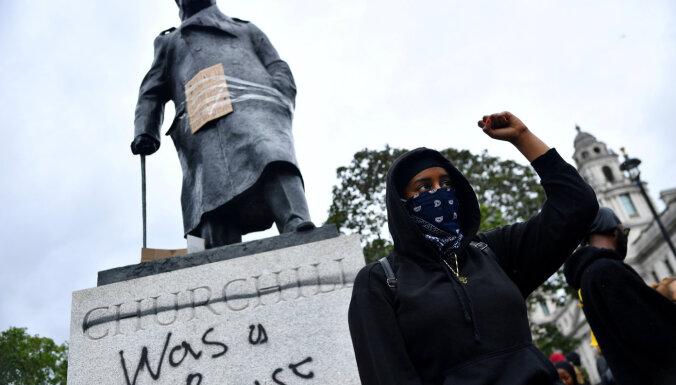 Черчилль, Рузвельт, Колумб: какие памятники хотят снести активисты Black Lives Matter?