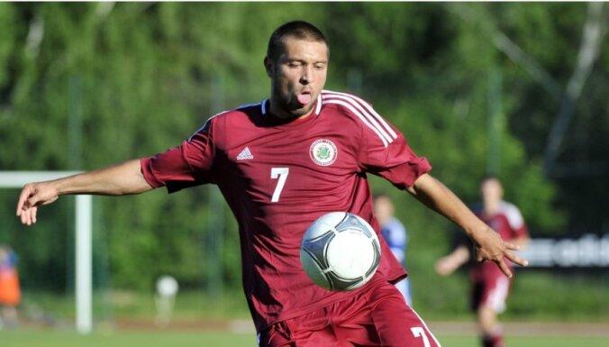 Кубок Содружества: футболисты Латвии идут без поражений и вышли на эстонцев