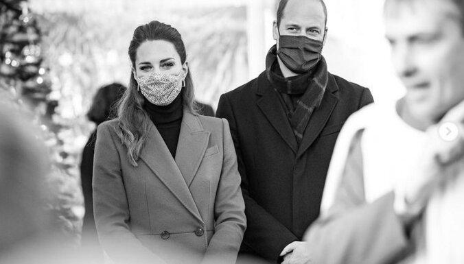 ФОТО. Какие маски носят члены королевской семьи и сколько они стоят