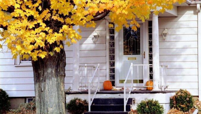 Сентябрь на пороге: 25 способов украсить крыльцо этой осенью
