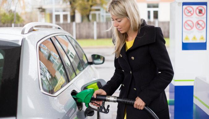 В Риге снизились цены на бензин, а в Вильнюсе подорожало дизельное топливо