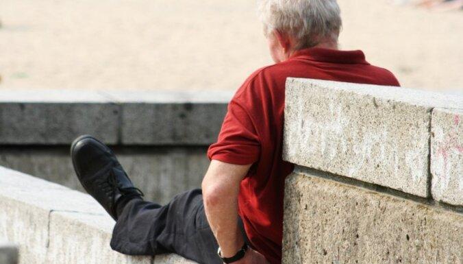 Pētījums: ja palielinātu veselības nozares budžetu, pieaugtu vidējais mūža ilgums