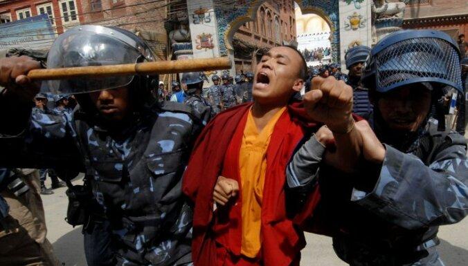 12 Nobela prēmijas laureāti vēstulē Ķīnas prezidentam iestājas par Tibetu