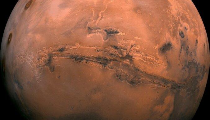 На Марсе нашли три подземных озера. В них могут сохраниться следы ранних форм жизни