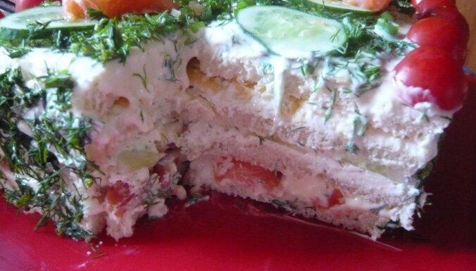 Foto recepte: Sāļā torte ar lasi un kausēto sieru
