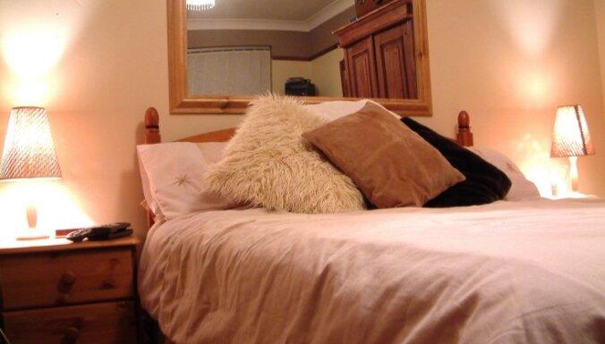 Guļamistabas iekārtojums atpūtai un mīlai