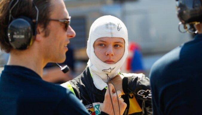 """Две команды """"Формулы-1"""" заинтересовались сыном Шумахера"""