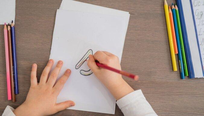 Sagatavošanās skolai pašu spēkiem – kā palīdzēt bērnam mājās ar Montesori metodēm