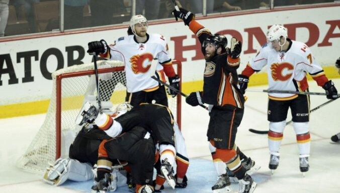 'Ducks' sasniedz NHL konferences finālu