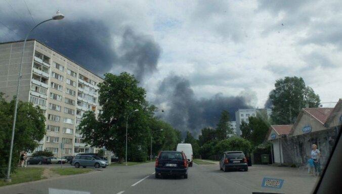 На юрмальской сортировочной станции — пожар повышенной опасности