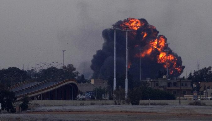 """В Ливии сбили самолет российским """"Панцирем"""""""