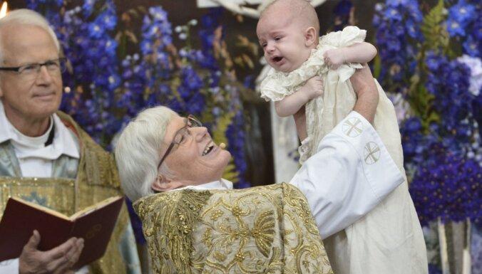 Число женщин-священников в Шведской Церкви впервые превысило число священников мужского пола