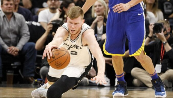 Bertāna 'Spurs' bez Popoviča nespēj apturēt 'Warriors'