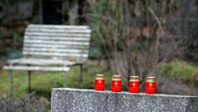 Igaunijas iedzīvotājs Valkā posta kapus