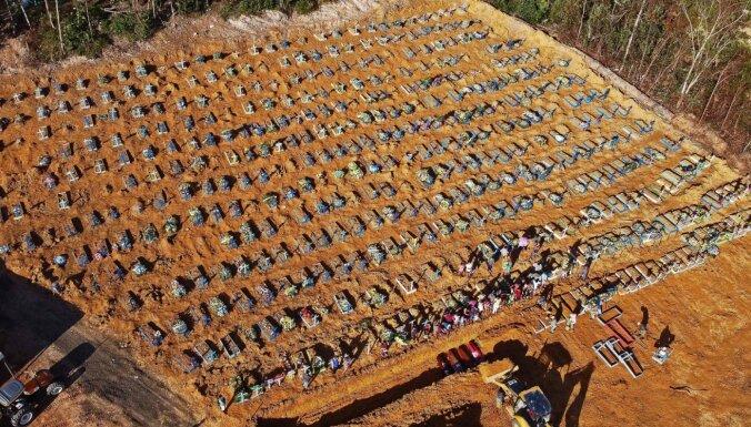 Covid-19: Brazīlijas pilsētā rok masu kapus