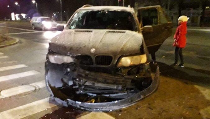 ФОТО: Возле Dole столкнулись BMW и Opel, ищут свидетелей аварии