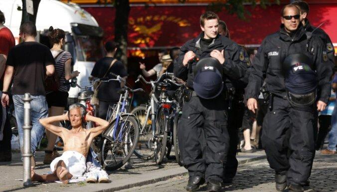 В Берлине тысячи демонстрантов выразили протест против правых популистов