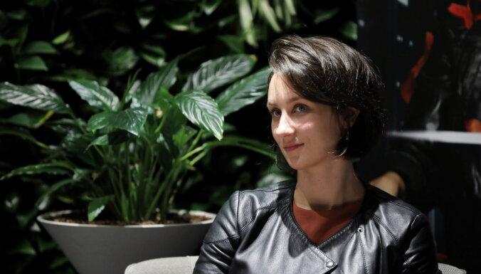 Dramaturģe Rasa Bugavičute-Pēce par izaicinājumiem, kas piedien dvīņu vecākiem