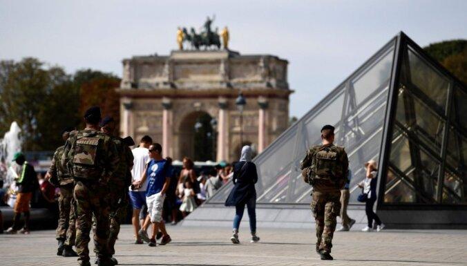 Francijas premjerministrs brīdina par maksimālajiem teroraktu draudiem
