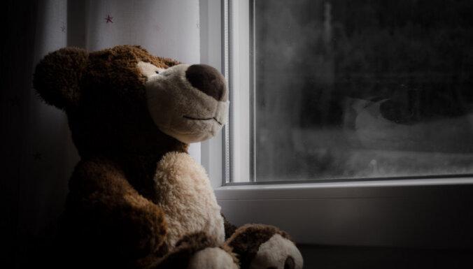 Traģēdija Rēzeknē: Ģimene bijusi sociālā dienesta redzeslokā, bet dzīvojusi labi