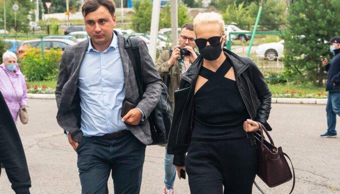 Навальный в реанимации с симптомами отравления. Что известно на данный момент