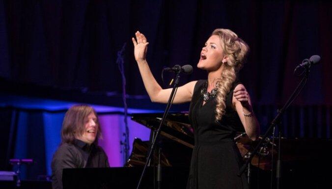 Koncertzālē 'Cēsis' svētkos aicina baudīt skaistāko mūziklu melodiju koncertu