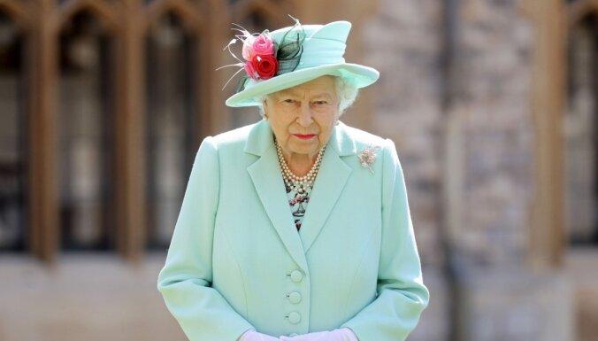Елизавета II помиловала убийцу, остановившего теракт бивнем нарвала