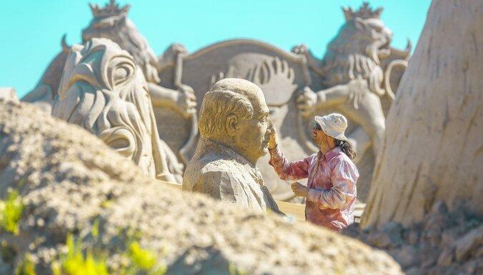 В Елгаве снова открывается парк песчаных скульптур
