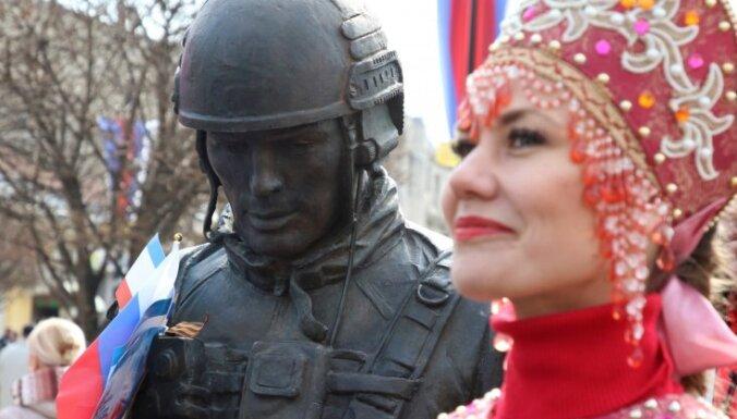 Ministrija: Krievija turpina klaji pārkāpt starptautiskās tiesības okupētajā Krimā