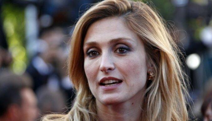 Президент Франции признался жене в измене c актрисой