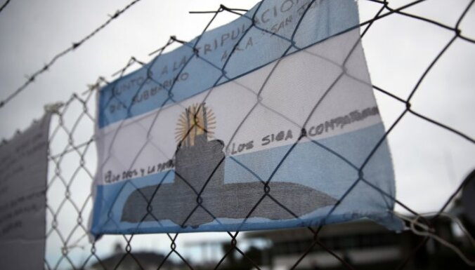 Argentīnas pazudušajā zemūdenē drīz izsīks skābeklis; sākas meklēšanas 'kritiskā fāze'