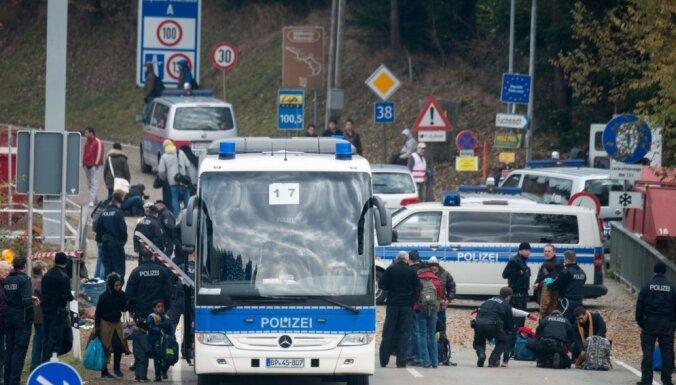 Германия будет выселять беженцев в страны первоначального въезда в ЕС