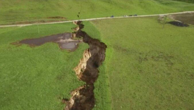 В Новой Зеландии внезапно возникла гигантская трещина