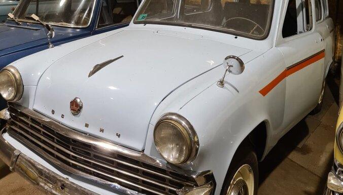 В Даугавпилсе появился новый туристический объект - выставка ретро автомобилей