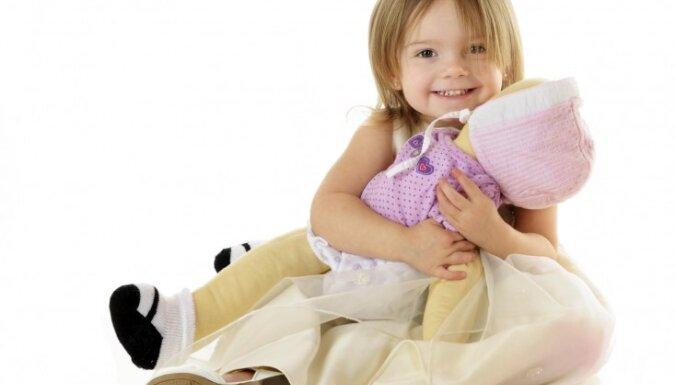 'Valdorfa lelle': īpaša rotaļlieta bērnam