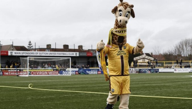 Sutton United mascot Jenny the Giraffe