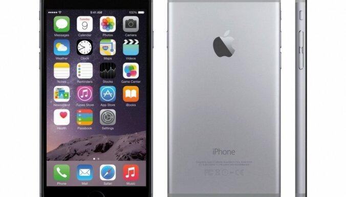 Ķīniešu tūrists aizvaino budistu mūkus, ziedojot tiem 'iPhone 6'