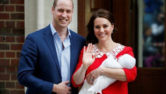 ФОТО: Кейт Миддлтон показала новорожденного сына