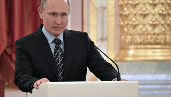 Melnkalnes ekspremjers: Krievija vēlas sagraut ES