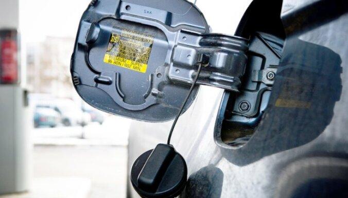 Эксперт прогнозирует подорожание топлива на латвийских заправках
