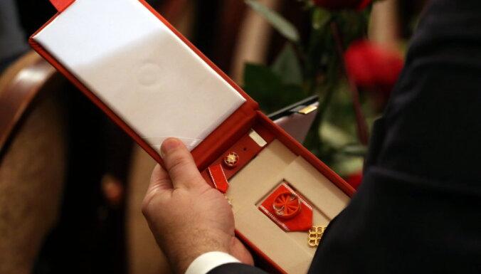 Обладатель высшей награды Латвии лишен ее из-за своей судимости