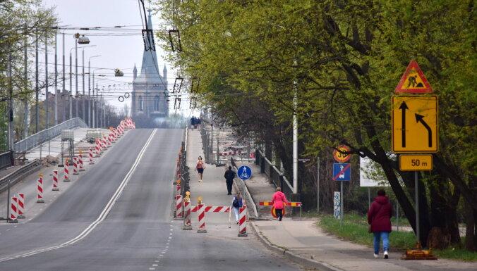 """5000 евро в день: """"убытки"""" Rīgas satiksme из-за закрытия Деглавского моста"""